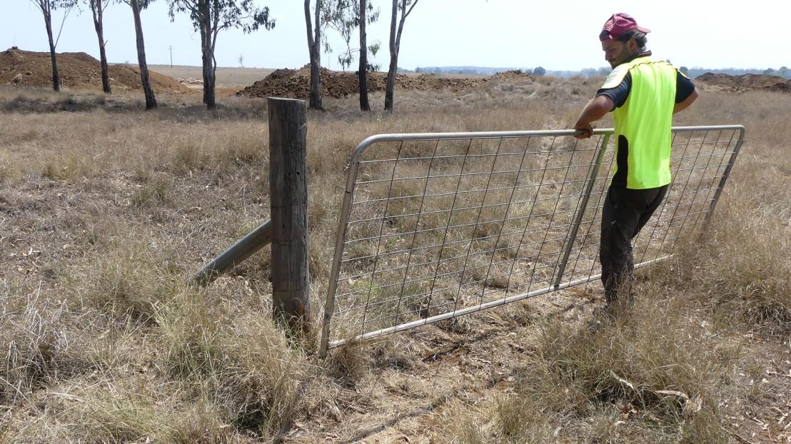 Nicky removes a gate